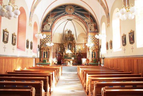 Randa, Sveits: The interior of the church - © Paul Summermatter