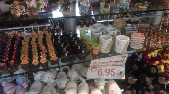 Гарачико, Испания: Tienda de Garachico, апрель 2017 года...