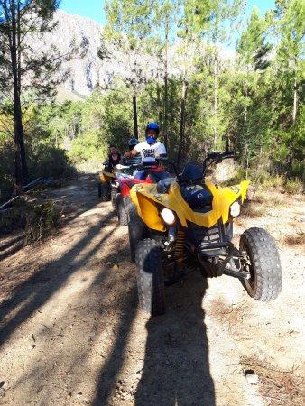 พาร์ล, แอฟริกาใต้: Quad bike through forest