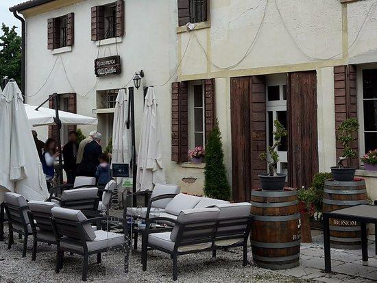 L 39 esterno del ristorante picture of ristorante villa for L esterno del ristorante sinonimo