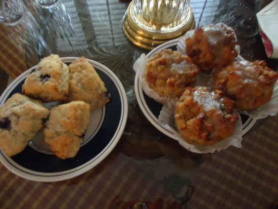 Underground Baking Co. : Scones and Bread Pudding Muffins