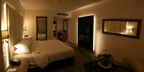 Chambre The Level avec jacuzzi - Picture of Melia Lebreros ...