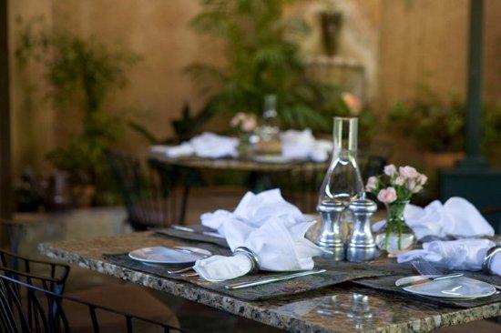 Ojai, CA: patio dining