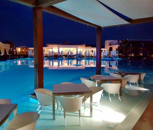 Pelagos Suites Hotel: photo3.jpg