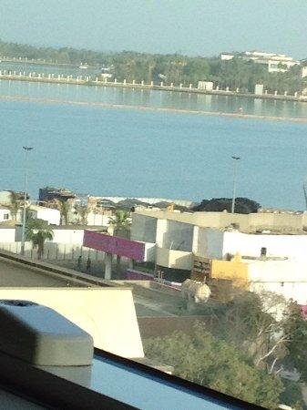 Crowne Plaza Jeddah: اطلالة الغرفة