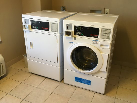 Beeville, TX: Laundry room ... table and chair not shown ... bring your own supplies.