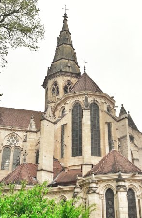 Semur-en-Auxois, Francia: 20170508_102652-02_large.jpg