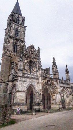 Saint-Pere, Frankreich: 20170508_160758-01_large.jpg