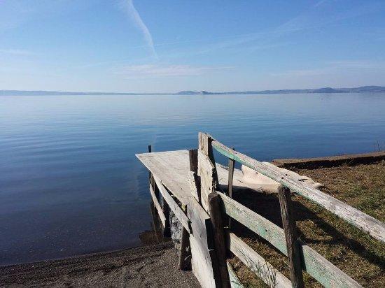 Lake Bolsena照片