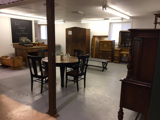 Piney River Antique Mall: Furniture Consignment Area  Lots Of Great Items  At Affordable Prices