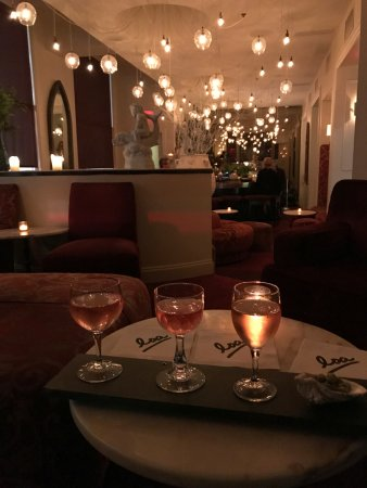 International House Boutique Hotel: Rose flight at loa!