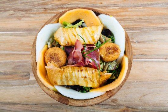 Contis-les-Bains, Frankreich: Salades du monde