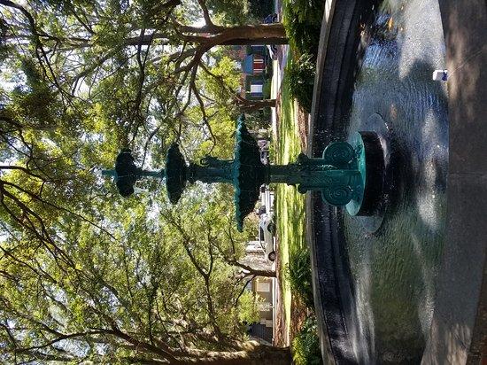 Lafayette Square: Nice park
