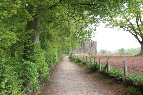 Goodrich, UK: The path to the castle