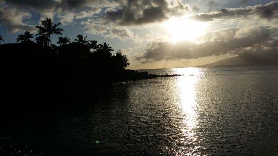Honokeana Bay: 20170504_180930_large.jpg