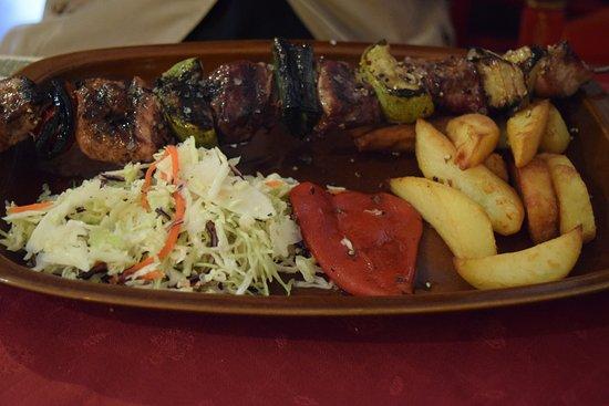 Muro, Spain: Mysig restaurang  God mat  Jättemysig inredning Trevlig personal