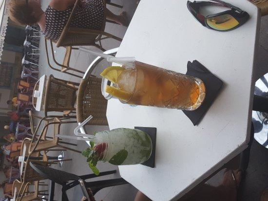 Soul Barcafe Corralejo: Mojito and long island ice tea at Soul BarCafe, Corralejo, Fuerteventura