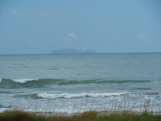 Ohope, Neuseeland: Penthouse view of White Island.