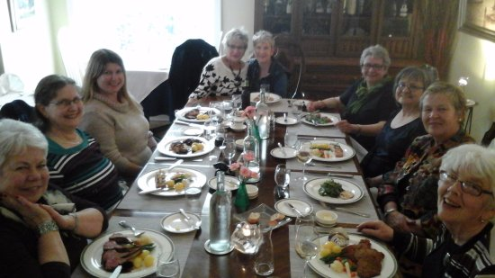 Brighton, Canada: Our table at The Gables...featuring all 10 ladies with their 'Mains'