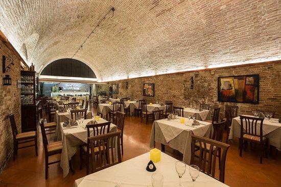 Ristorante borgo antico in siena con cucina cucina toscana - Ristorante borgo antico cucine da incubo ...