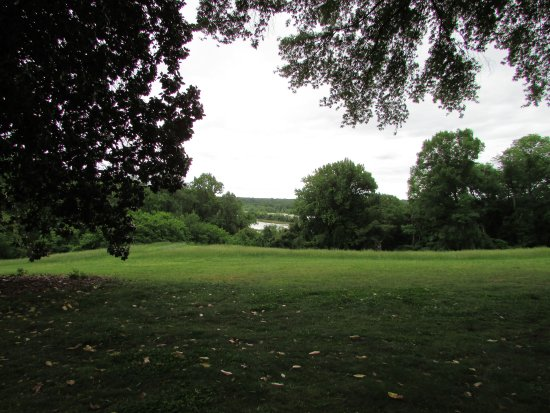 Agecroft Hall : Looking out toward the James