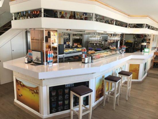 Restaurante cafe royalty en santander con cocina otras for Cocinas santander