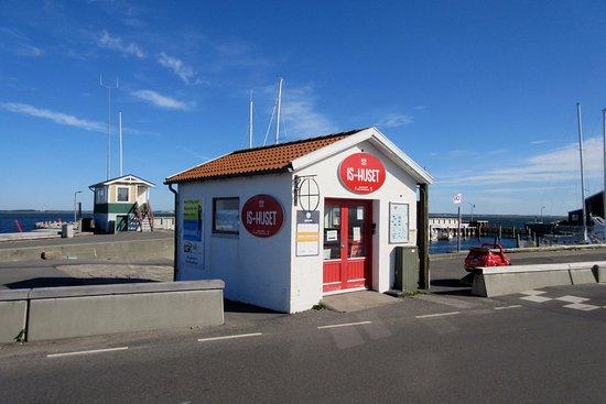 Havnens Ishus: Is-huset på Løgstør Havn