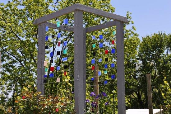 Augusta, MO: Cool sculpture