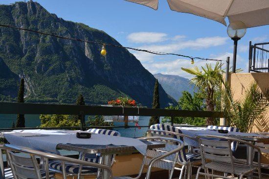 Bissone, Sveits: Terrace Sommer Restaurant