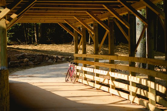 Cover railroad underpass - the Carrollton GreenBelt trail