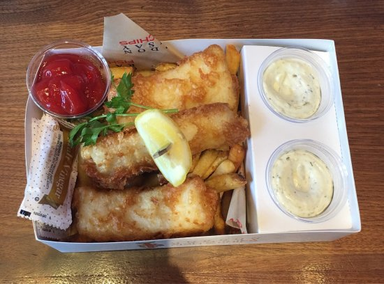 Gordon ramsay fish and chips picture of gordon ramsay for Gordon ramsay las vegas fish and chips