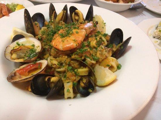 Mediterranean: Seafood paella. Absolutely yum! ^^
