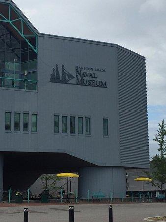 Hampton Roads Naval Museum: Navel Museum