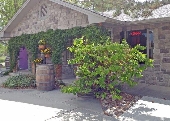 Graystone Winery: Exterior