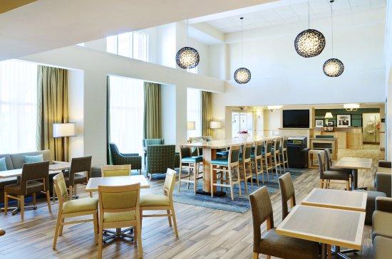 Interior - Picture of Hampton Inn & Suites by Hilton Saint John, Saint John - Tripadvisor