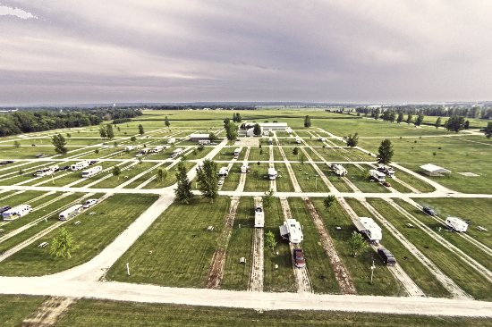 Amana, IA: A shot of the spacious sites & sprawling campground area.