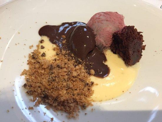 El Cau de Sant Llorenç: Texturas de chocolate con nube de pan aceite y vino
