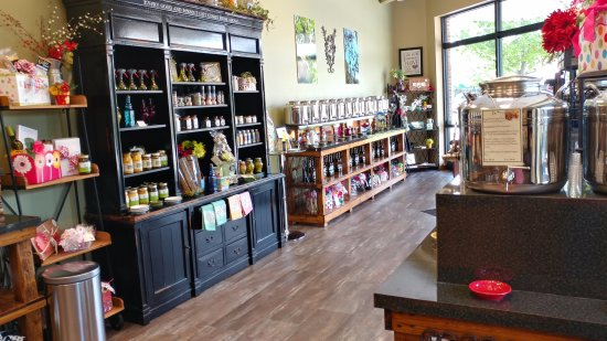 Lee's Summit, MO: Heavenly Olive Oils, a beautiful place with quality products!