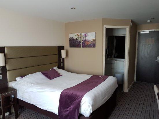 Premier Inn Dudley (Kingswinford) Hotel: 20170422_143453_large.jpg