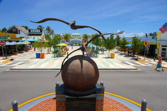 """Lauderdale by the Sea, FL: The Town's famous """"Anglin's Square"""" just steps to the beach, dining, and entertainment"""