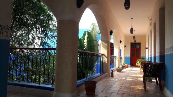 Hotel Medio Mundo : 20170427_094424_large.jpg