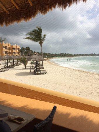 The Royal Haciendas All Suites Resort & Spa: Vista del mar desde el Restaurante La Palapa.
