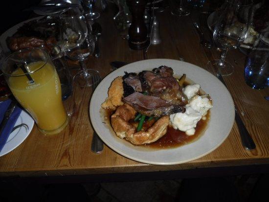 Port Gaverne, UK: Sunday lunch - roast 'lamb'