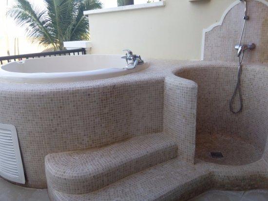 Hot tub on balcony picture of secrets royal beach punta for Balcony hot tub