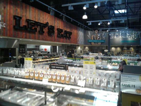 University Place, WA: When do you  see a Whole Foods this empty???  This is 1 in the afternoon