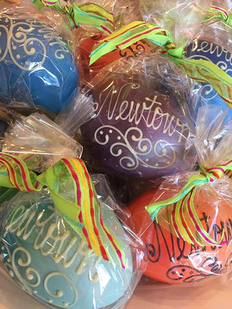 Newtown, CT: Easter Chocolate