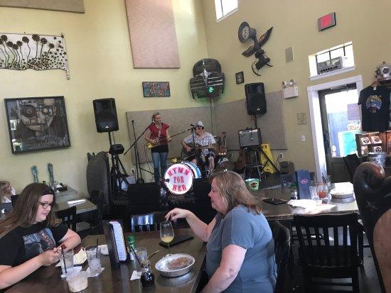 Ella's Americana Folk Art Cafe : photo6.jpg