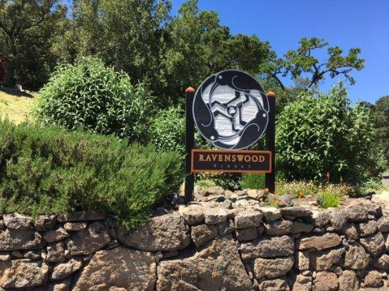 Ravenswood Winery: Ravenswood sign