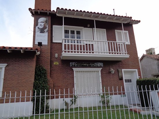 Fundacion Ezequiel Martinez Estrada