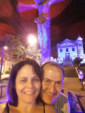 Nossa Senhora D'Ajuda e Bom Sucesso Church: Vista da praça do cruzeiro
